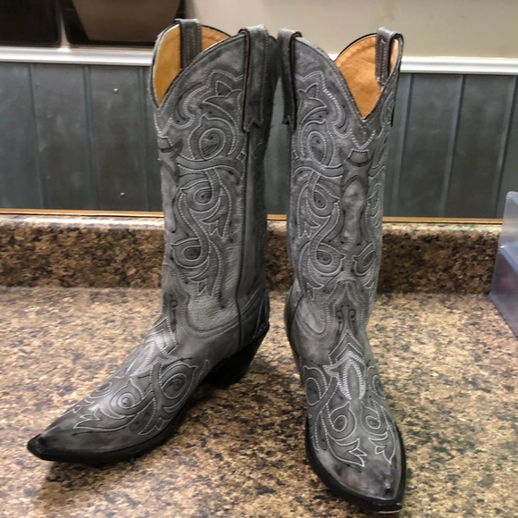 f860d2788c7 Distressed Ladies Gray cowgirl Boots